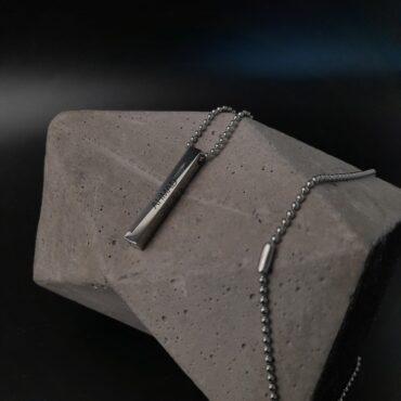 Me1540 –  Cuboid Necklace